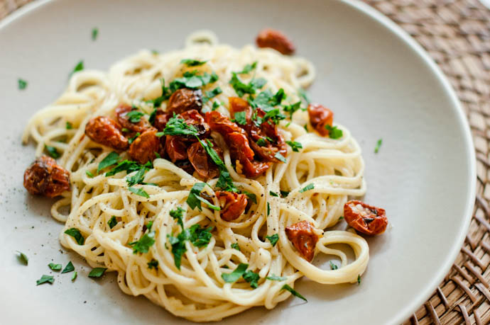Spaghetti Aglio Olio with Slow-Roasted Tomatoes by Cook Smarts